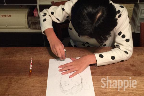 似顔絵ケーキ-こどもが絵を書く-shappie