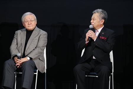 舞台挨拶中の安彦総監督と池田秀一さん
